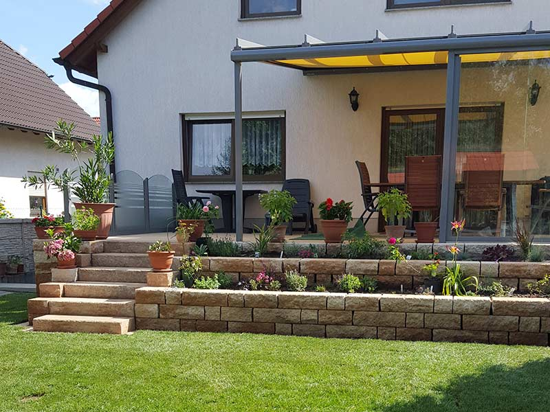 Zusätzliche Gestaltungsmöglichkeiten: Terrassenbau Und Wegebau